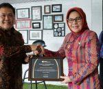 Terima Dua Penghargaan, Pemkot Kotamobagu Berhasil Dibidang Perlindungan Naker dan Jaminan Kesehatan