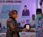 BKKBN Dinobatkan Walikota Kotamobagu Tatong Bara Sebagai Bunda GenRe