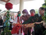 Usai Resmikan Gereja GMIBM Gogagoman, Walikota Tatong Bara Juga Beri Bantuan